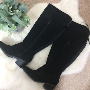[Torrid] Black Embroidered Faux Suede Heeled Boots